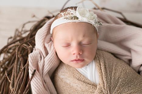 Best Newborn Photographer Wollongong Unanderra