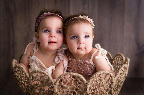 Aria-&-Emma---9-months-5